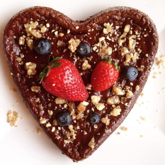 Healthy Valentine chocolate cake